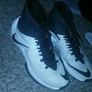 Nike Men's ZoomClearout Basketball Shoes